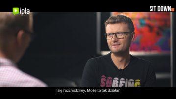 Kacper Ruciński w #10 Sit down. Rozmowy o stand-upie